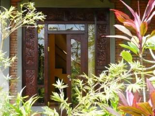 Swallow Guesthouse in REAL Ancient Baliese Kingdom - Ubud vacation rentals