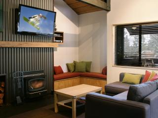 Rustic Modern Condo-Brand new Pool & Spa-sleeps 8 - Mammoth Lakes vacation rentals