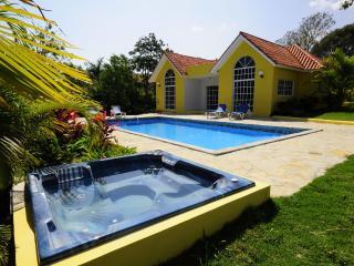 Nice Villa with Internet Access and A/C - Sosua vacation rentals
