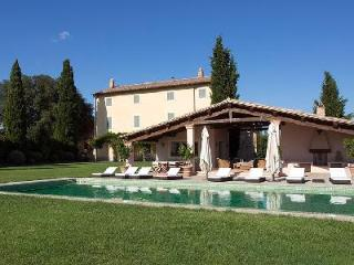 Casale Cerfoglio offers a fitness room, sauna, maid service and daily breakfast - San Venanzo vacation rentals