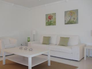 Beautiful 1 Bdrm Cottage, Private, Close to Beach! - Fort Lauderdale vacation rentals