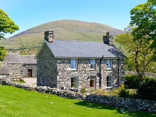 CAERFFYNNON, character holiday cottage, with a garden in Dyffryn Ardudwy, Ref 8566 - Dyffryn Ardudwy vacation rentals