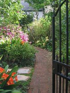 Front gate entrance - Pear Lane B&B - A Tranquil Cape Town Hideaway - Cape Town - rentals