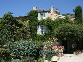 Charming Country Home - Beautiful View of Luberon! - Merindol vacation rentals