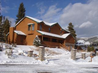 Gorgeous Alpine Home! Hot Tub, Centrally Located! - Keystone vacation rentals