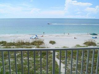 Gorgeous Condo with Internet Access and Dishwasher - Indian Rocks Beach vacation rentals