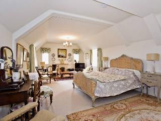 Springfield Country House       Pay via PayPal. - Cirencester vacation rentals