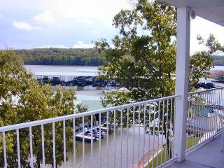 3BR lakefront condo in heart of Lake of the Ozarks - Osage Beach vacation rentals