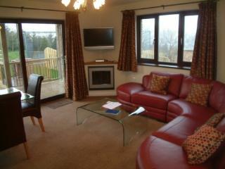 BECKSIDE BUNGALOW Pooley Bridge Holiday Park, Ullswater - Pooley Bridge vacation rentals