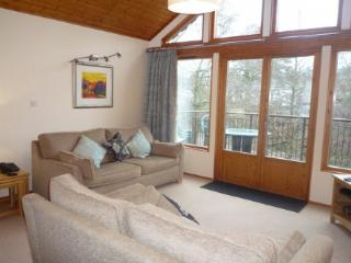 KESWICK BRIDGE 5, 3 Bedroomed, Keswick, Christmas week - Keswick vacation rentals