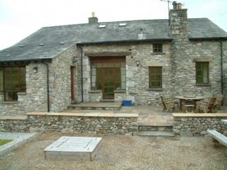 KNOTT VIEW BARN, Farleton, Kirkby Lonsdale, South Lakes Dales Border - - Kirkby Lonsdale vacation rentals