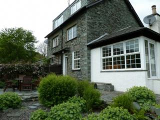 Nice Cottage with Internet Access and Dishwasher - Kirkoswald vacation rentals