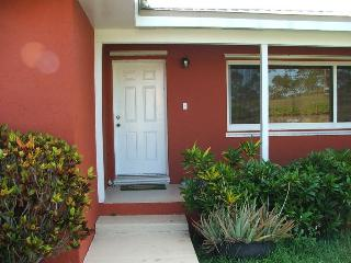 Beautiful Bahamas Quiet spacious apt. includes car - Freeport vacation rentals