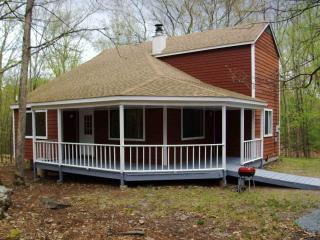 3 bedroom single house #455, Poconos PA, sleeps 10 - Lackawaxen vacation rentals