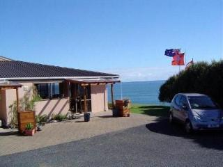 2 bedroom Bed and Breakfast with Deck in Mangonui - Mangonui vacation rentals