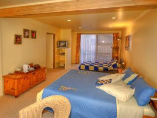 Comfortable 2 bedroom B&B in Mangonui with Deck - Mangonui vacation rentals