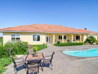 Live on top of  Views, Pool, Bocce Ball, Hot Tub, BBQ and Fun! - Paso Robles vacation rentals