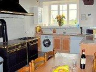 Comfortable Cottage with Internet Access and Dishwasher - Tremblay vacation rentals