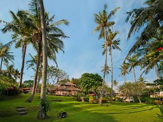 3 Bedrooms Beachfront Villa Mandala, Canggu - Bali - Suraberata vacation rentals