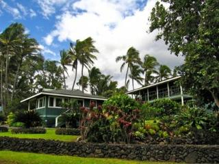 Romantic Luxurious Hana Oceanfront Cottages - Hana vacation rentals