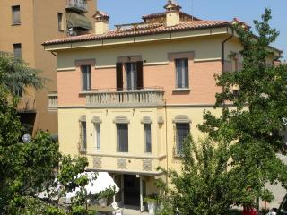 """Casa Munay"" top quality bed and breakfast - Bologna vacation rentals"