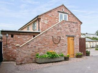 THE BARN, pet friendly, country holiday cottage, with open fire in Weston-Under-Redcastle, Ref 8325 - Shropshire vacation rentals