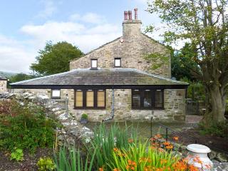 THE FRIENDLY ROOM, luxury holiday cottage, with a garden in Austwick  , Ref 6441 - Long Preston vacation rentals