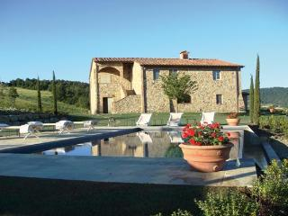 Peaceful Tuscan Countryside Rental in Siena - Siena vacation rentals