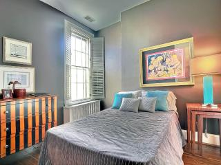 Glamour Reigns! Outdoor Living Room! Parking! - District of Columbia vacation rentals