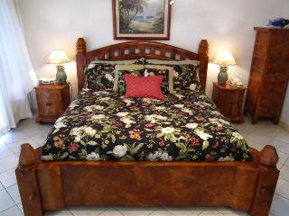 Summer Special $99 Papakea Luxury Ocean View Studio - King Bali Bed - Stunning! - Lahaina vacation rentals