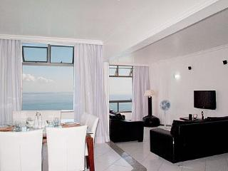 Air-Conditioned Bayfront Condo On Carnaval Route! - Salvador vacation rentals