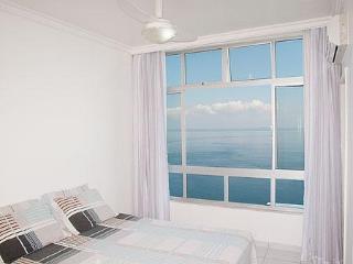Air-Conditioned Bayfront Condo On Carnaval Route! - Salvador vacation rentals