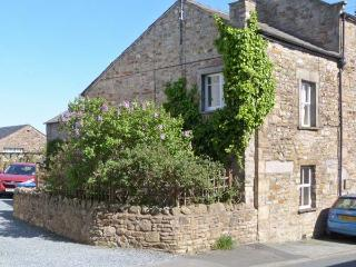 JOINERS ARMS, romantic, luxury holiday cottage, with a garden in Burton-In-Lonsdale, Ref 5269 - North Yorkshire vacation rentals