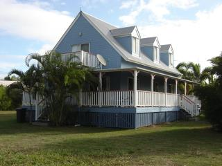 4 bedroom House with Deck in Agnes Water - Agnes Water vacation rentals