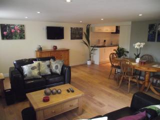 Cottages Five star self-catering in  South wales - Wales vacation rentals