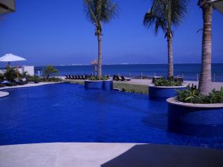 Riviera Nayarit Beach Condo with Amazing Views! - La Cruz de Huanacaxtle vacation rentals