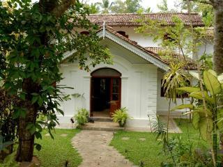 Villa Araliya, near Unawatuna. - Unawatuna vacation rentals