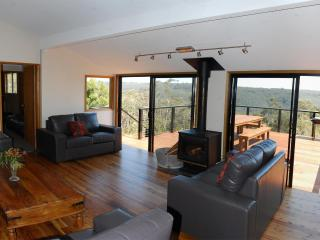 Gorgeous 5 bedroom House in Wentworth Falls - Wentworth Falls vacation rentals