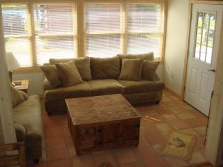 Nice Cabin with Deck and Dishwasher - Okeechobee vacation rentals