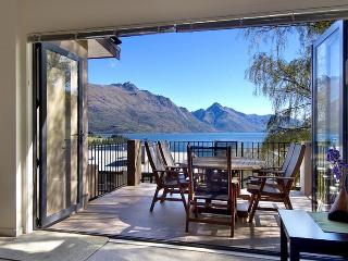 As good as it gets, great views, close to town. - Queenstown vacation rentals