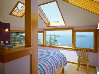 Oceanfront Gem, Private, Romantic Rural Retreat - Addison vacation rentals