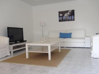 Spotless 1 bdrm apt., private, close to beach! - Fort Lauderdale vacation rentals