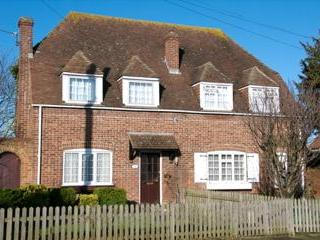2 bedroom Cottage with Internet Access in Canterbury - Canterbury vacation rentals