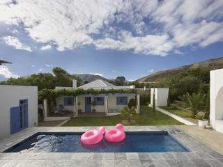 Gorgeous Artist's Cottage, Prince Albert, Karoo - Oudtshoorn vacation rentals