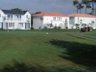 Fontenelles CCB - Domaine de Fontenelles golf course - Les Sables-d'Olonne vacation rentals