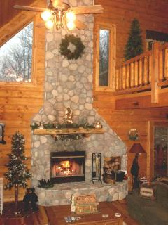 Perfect Cabin with Deck and Internet Access - Nashville vacation rentals
