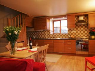 Comfortable Cottage with Internet Access and Outdoor Dining Area - Stoke-on-Trent vacation rentals