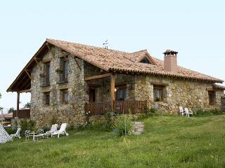 La Casa Del Altozano - Navarredonda de Gredos vacation rentals