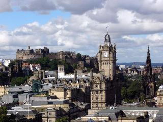 Comfortable 4 bedroom Edinburgh Condo with Internet Access - Edinburgh vacation rentals
