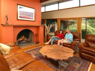 Spacious House in Berry with Deck, sleeps 18 - Berry vacation rentals